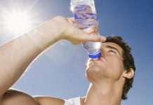 Uống nước chống say nắng